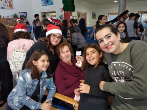 2018-18-12 VISITA AL CENTRO DE DIA.EDUCACIÓN PRIMARIAe8e257f9-224e-4530-9699-0554853b4f6e